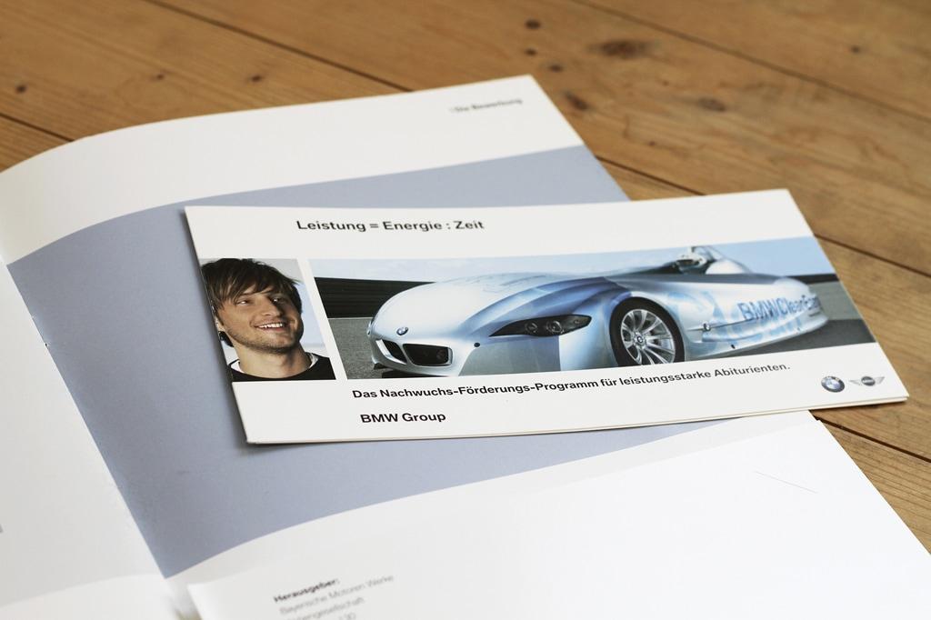 BMW-fly01-media